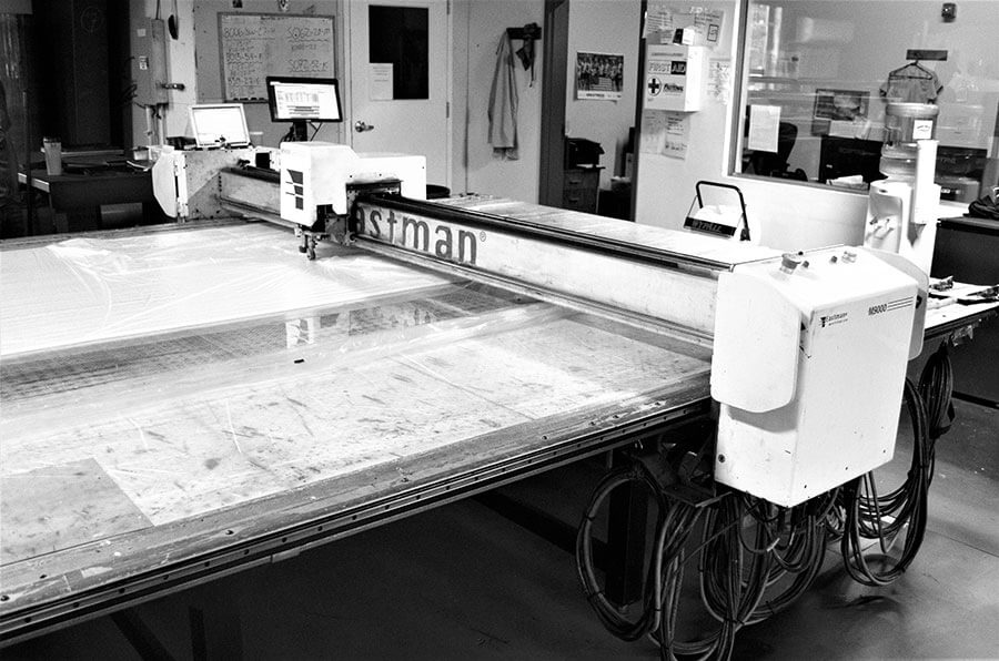 Eastman M9000 CNC static cutting table in action
